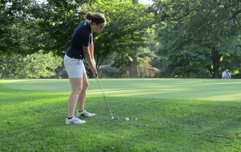 Senior Sam Michiels takes aim on the last hole of the Wildcat Open on Sept. 16.