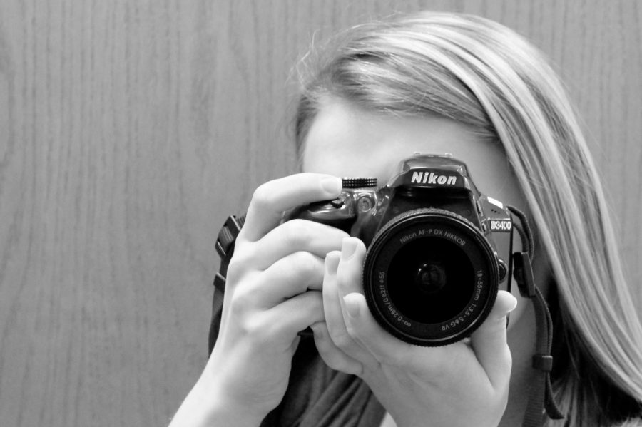 Chronicle photographer and sports editor Theresa Carriveau receives a superior rating while in Seattle for the Journalism Education Association/National Scholastic Press Association convention April 6 - 9.