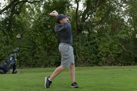 With CDC guidelines in place, boys golf continues to push forward